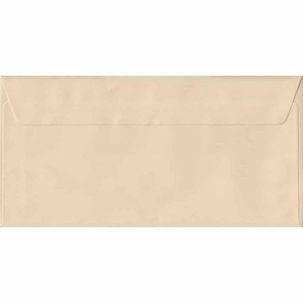 100 DL Cream Envelopes. Cream. 110mm x 220mm. 100gsm paper. Peel/Seal Flap.