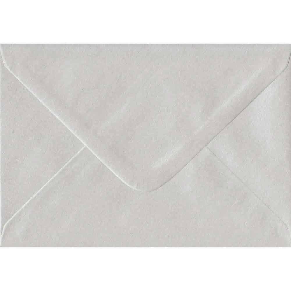 White Pearl 114mm x 162mm 100gsm Gummed C6/Quarter A4 Sized Envelope