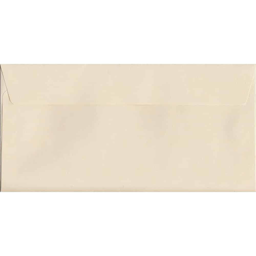 100 DL Cream Envelopes. Clotted Cream. 114mm x 229mm.  paper. Peel/Seal Flap.